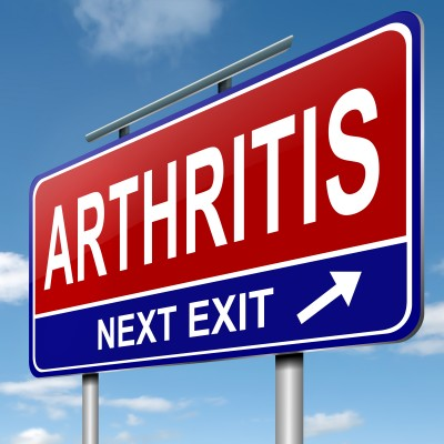 Dr. Harris and Dr. Bedikian discuss arthritis at the Oak Park Arms Retirement Community