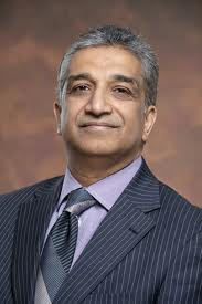 """Dr. Nehra disscuses urology and aging over """"Breakfast with the Docs"""" at the Oak Park Arms."""